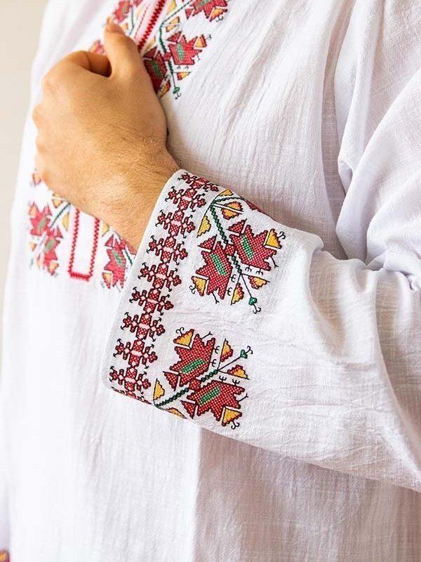Ръкав и деколте на Тракийска риза