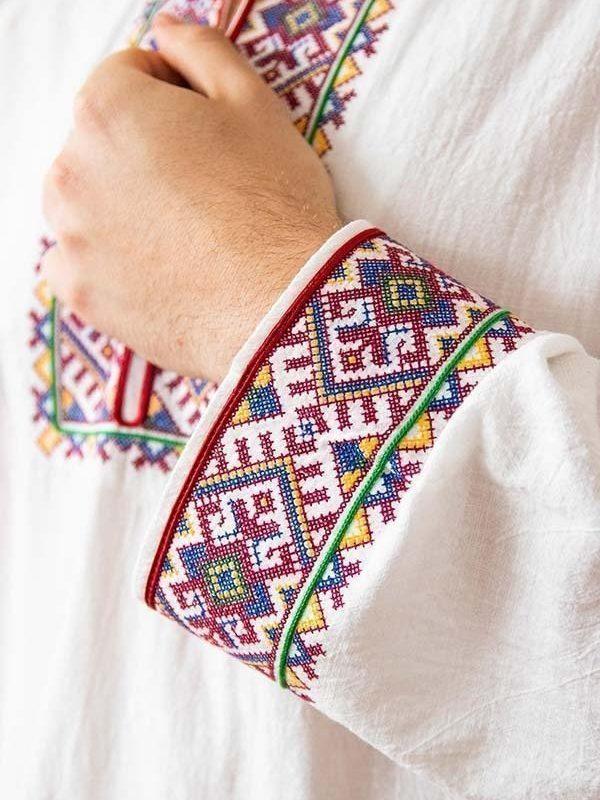 Ръкав и деколте на Родопска риза
