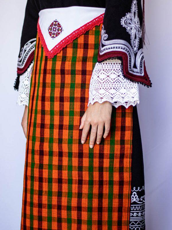 Кърпичка и престилка на Чепеларска носия