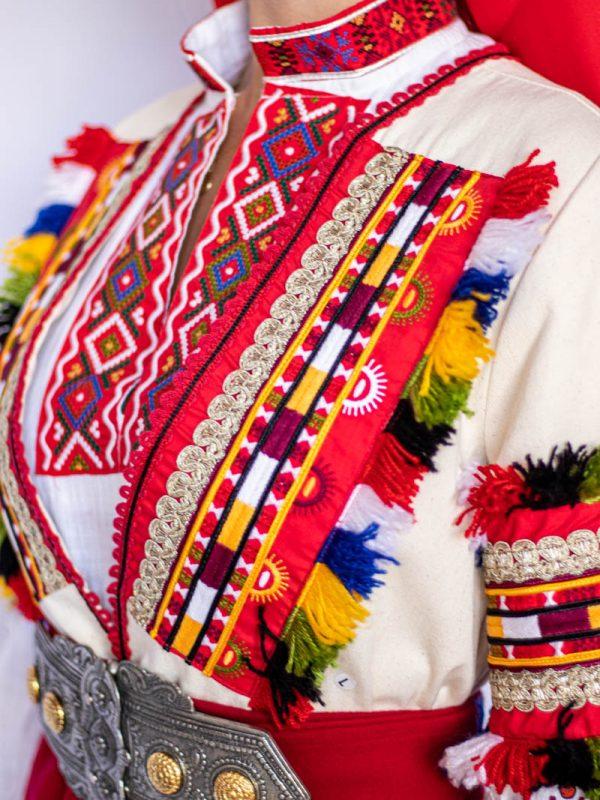 Деколте на Пиринска носия